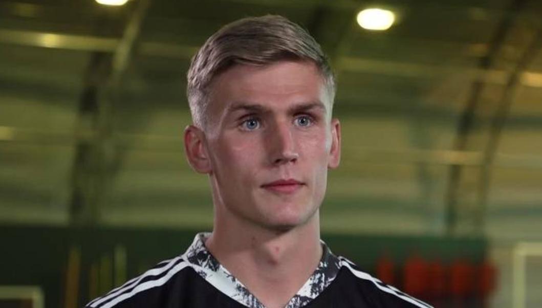 鲁纳尔松:父亲曾想去阿森纳踢球,而今梦想得通过我实现了
