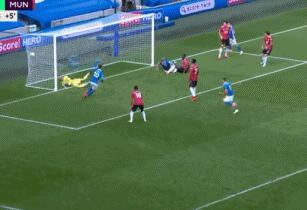 GIF:马奇头球破门,曼联2-2布莱顿