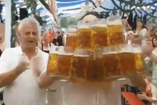 斯波赛后称想喝啤酒,记者调侃:巴特勒20美元卖他一杯
