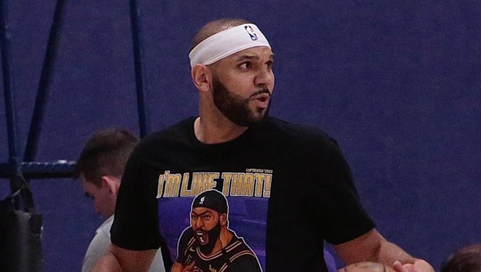 KPL下注杜德利转发自己身穿AD图案衣服的照片:这件T恤太棒了_KPL下注NBA新闻