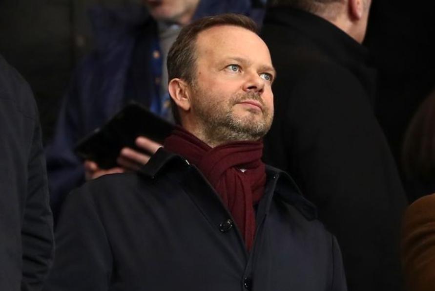 镜报:以防极端球迷,曼联转会截止前将加强伍德沃德的安保