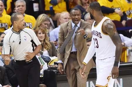 凯西:詹姆斯11年总决之后看到了一切不足,成为篮球专家