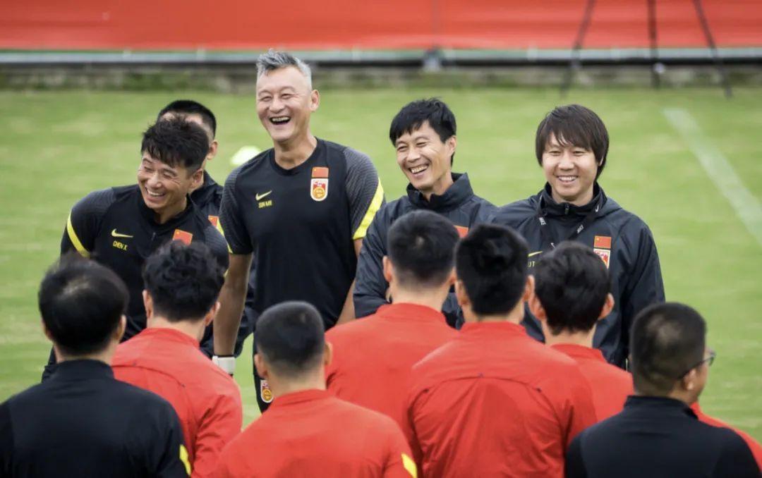 足球报:国足不安排大运动量训练,不会影响中超第二阶段