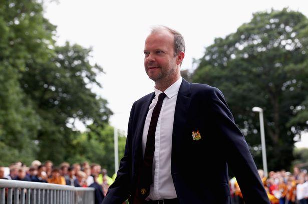 内维尔:伍德沃德善于经营俱乐部,但转会方面还得靠专业人