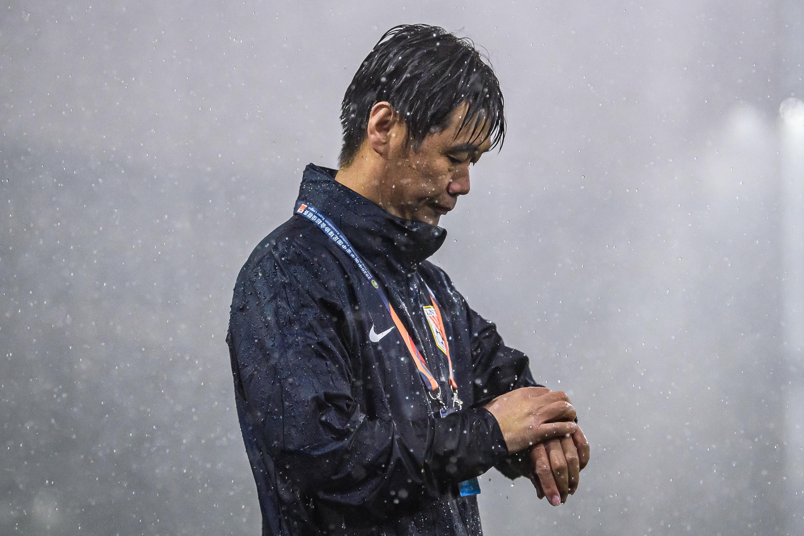 足球报:李霄鹏将完全放权给郝伟,因身体原亚搏体育客户端因不会去苏州