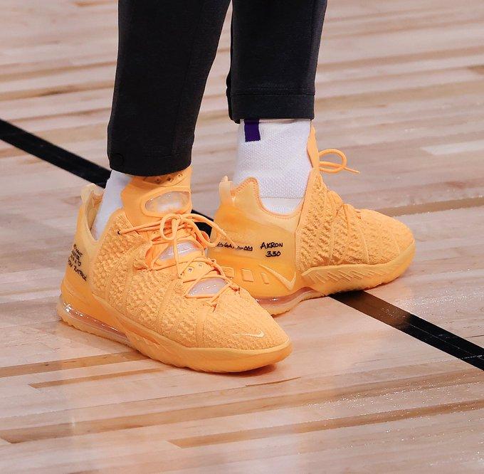 今日球鞋:詹姆斯上脚LeBron 18,浓眉上脚科5 '5 Rings'_电竞外围投注平台_LOL外围网站