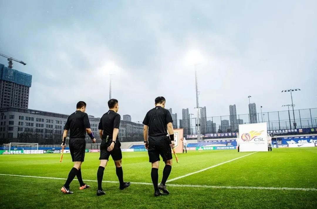 足球报:土哨失去信任,外籍裁判将执法第二阶段关键场次