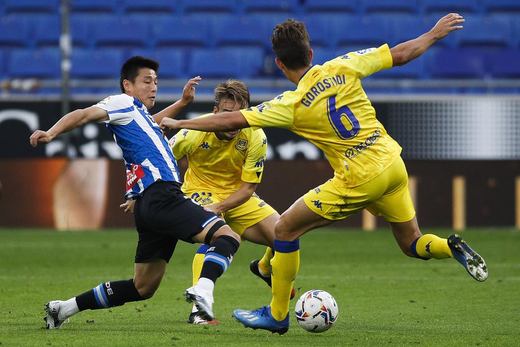 德托马斯破门武磊首发造威胁,西班牙人1-0阿尔科孔
