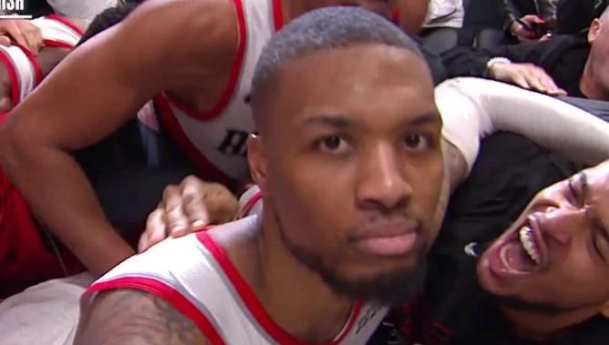 利拉德发推:NBA已经不吹阻挡犯规了,啥都是进攻犯规