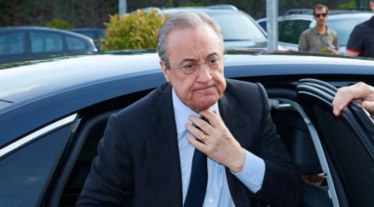 """真有其人?马德里餐厅老板叫""""佛洛伦蒂诺-佩雷斯-德尔-巴萨"""""""