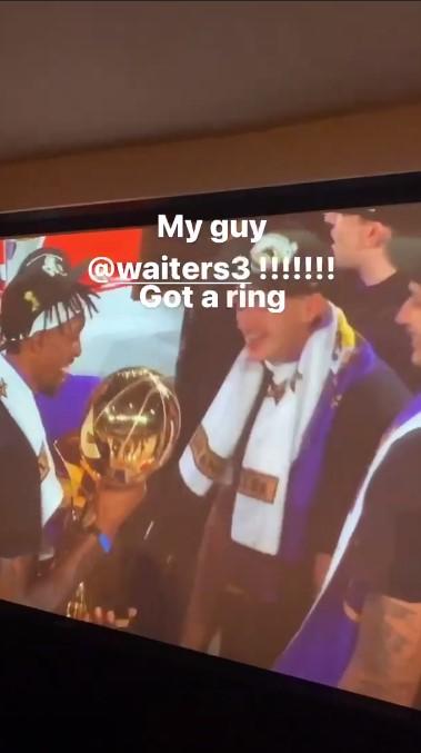 怀特塞德更新Instagram,祝贺前队友韦特斯在湖人夺冠