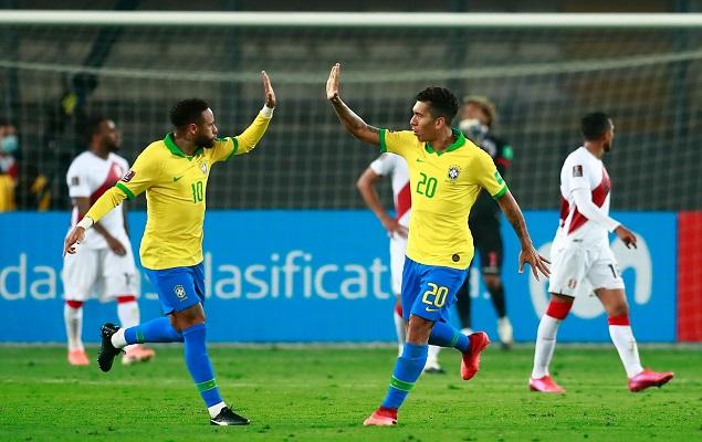 世预赛:内马尔戴帽国家队进球超大罗,巴西4-2逆转秘鲁