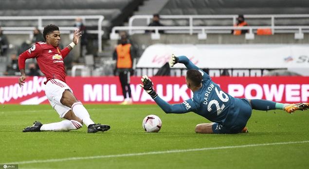 拉什福德2传1射B费失点后破门,曼联客场4-1纽卡斯尔