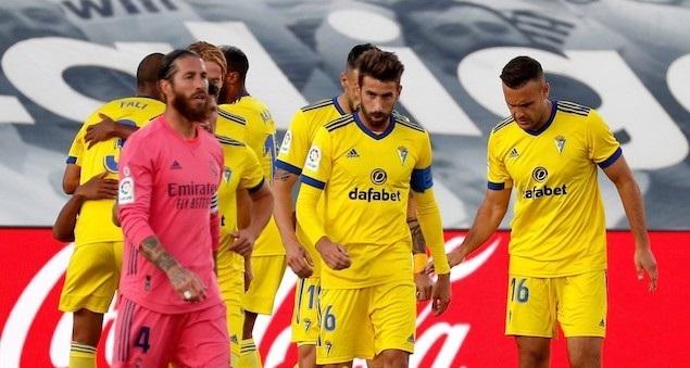 洛萨诺破门本泽马中框约维奇进球被吹,皇马0-1加的斯
