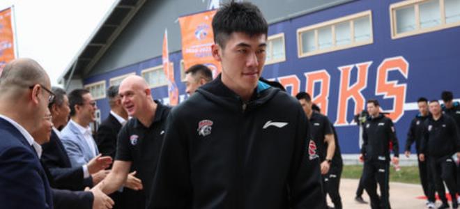 """刘铮新赛季将披""""5""""号球衣:持续努力,低调茁壮"""