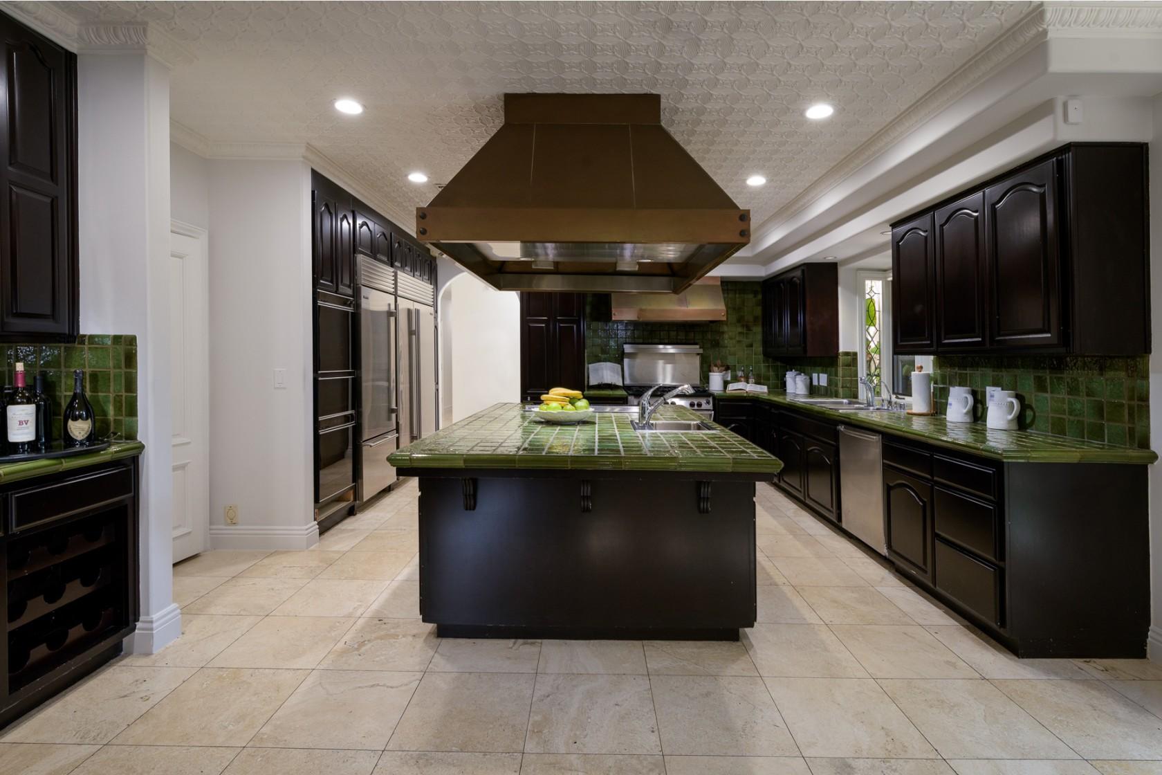 麦基以249万美元价格出售位于洛杉矶、居住五年的豪宅