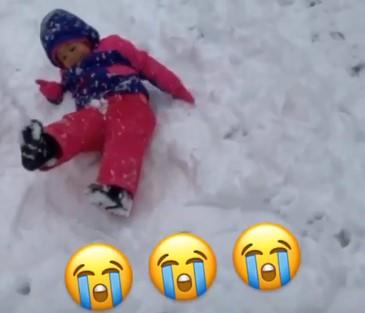 """属实惨!威金斯女儿被威金斯""""可以玩滚球的正规app遗弃""""在雪地"""