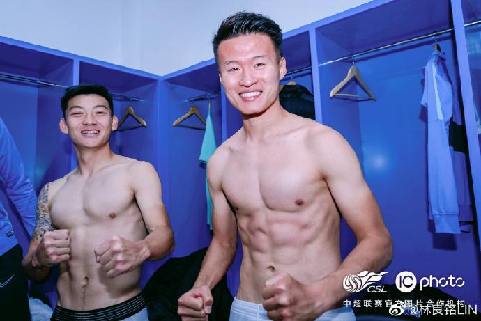 林良铭赛中国竞猜网首页后发文:一时间没忍住泪水,我就喜欢大连赢!