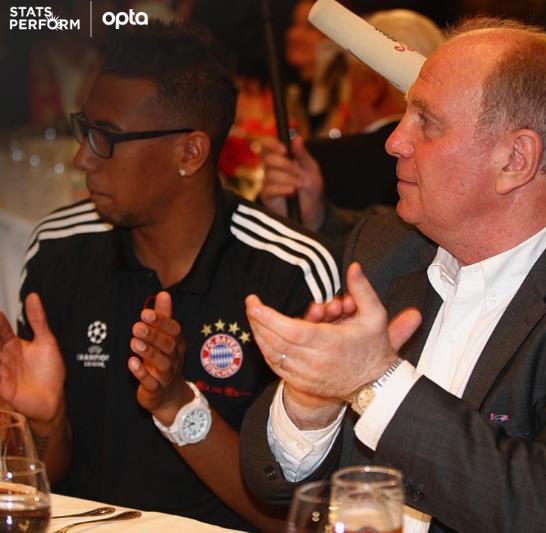 博阿滕第330次代表拜仁出场,追平赫内斯
