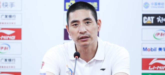 朱世龙:希望年轻球员尽快成长,在场上更积极多学习