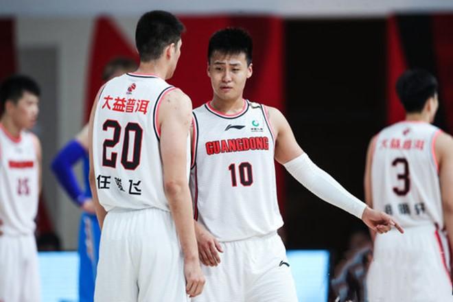 赵睿:场上表现体现训练质量,投篮越多手感越好