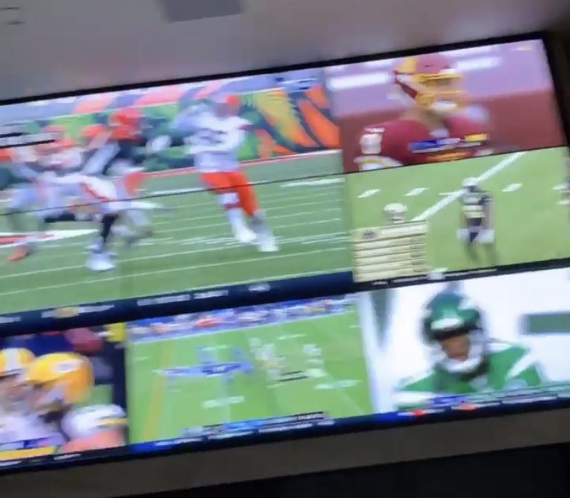 詹姆斯电视分屏观战多场NFL,点评布朗队和布雷迪表现
