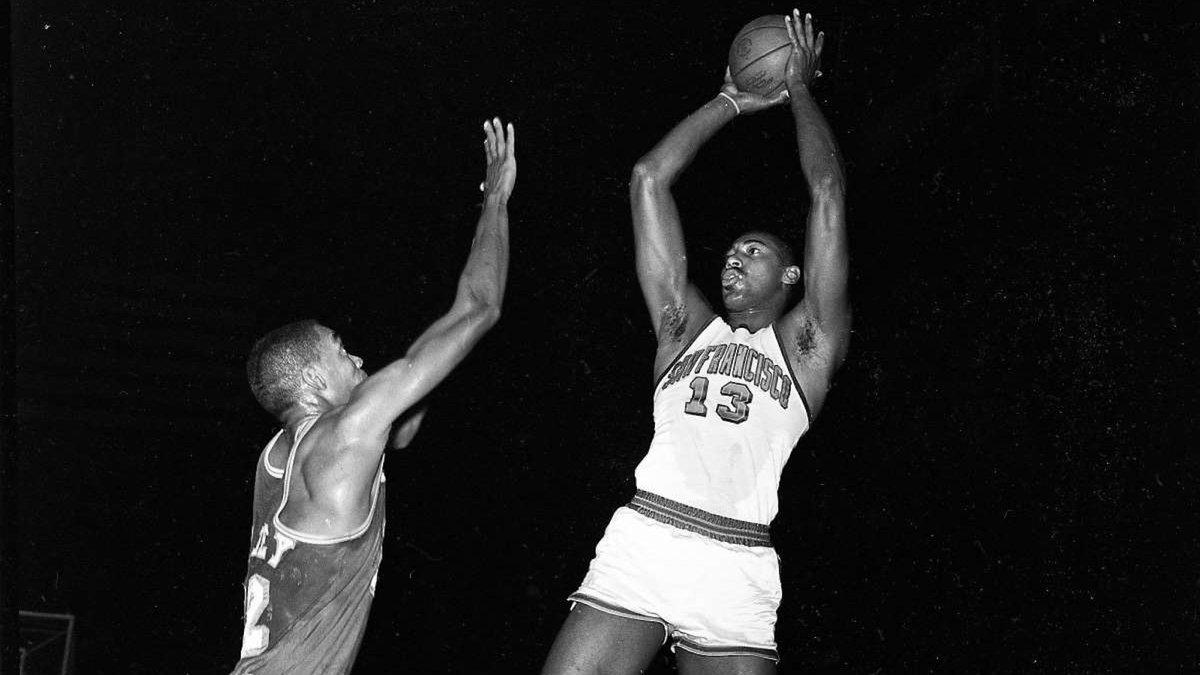 58年前的今天可以玩滚球的正规app,张伯伦砍下50分41篮板带领勇士击败活塞