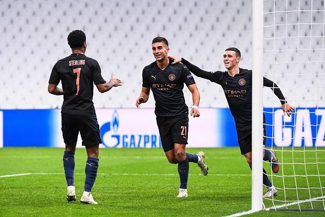 欧冠:德布劳内助攻双响斯特林传射,马赛0-3曼城