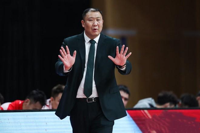 王晗:篮板球保护有所改观,会进行球员轮换