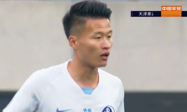 GIF:刘洋解围失误,林良铭两次折射入网!大连1-0泰达