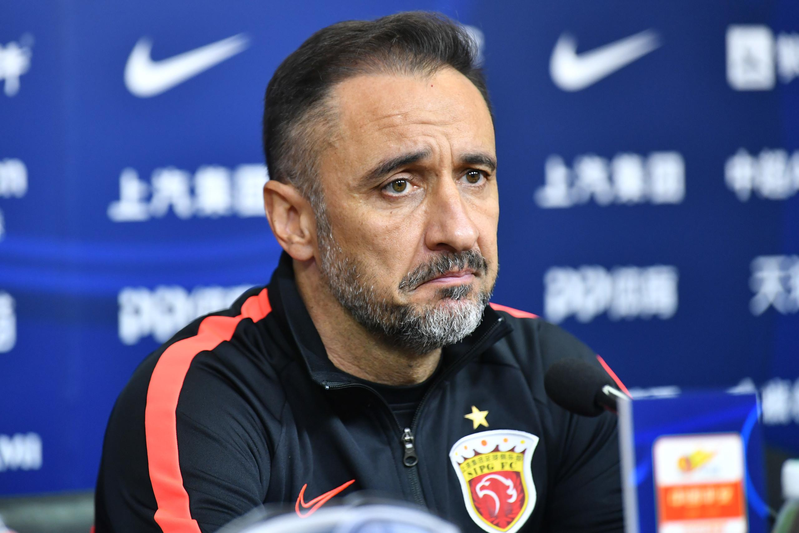 佩雷拉:队伍有问题是教练的责任,某些球员未达预期