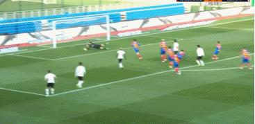 GIF:埃弗拉助攻刘云远射得分,卓尔1-0黄海