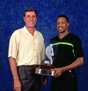 1999年的今天,史蒂夫-弗朗西斯完成NBA首秀