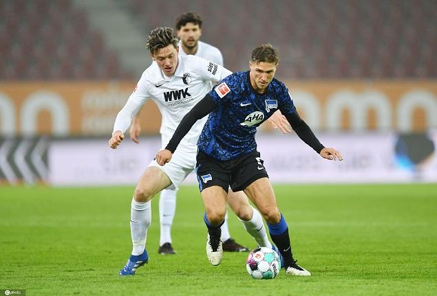 德甲:库尼亚传射皮亚特克破门,奥格斯堡0-3柏林赫塔