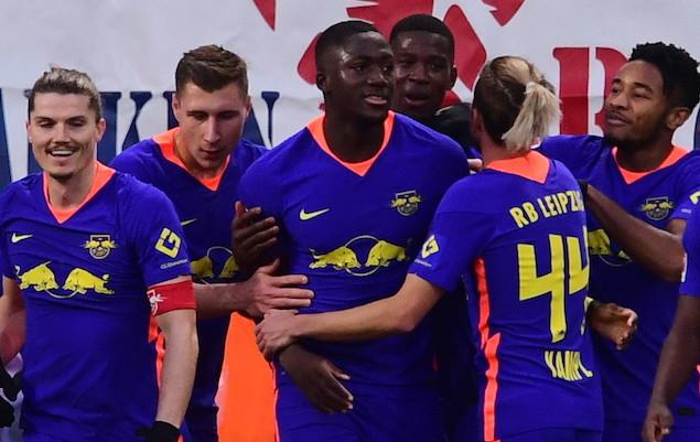 萨比策点射安赫利尼奥肆意球破门,莱比锡3-0弗赖堡