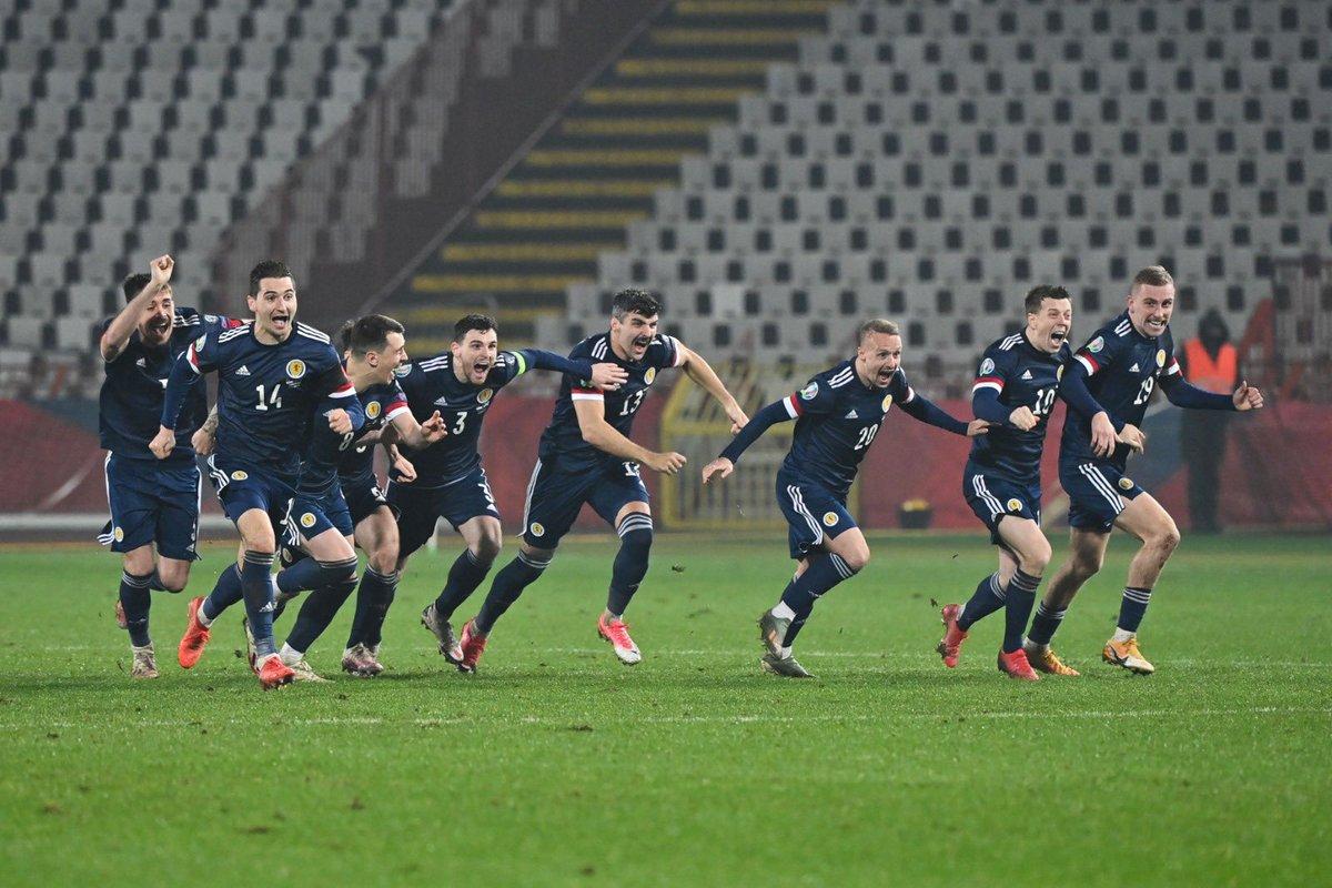 罗伯逊庆祝苏格兰进入欧洲杯:希望给500万人民带去快乐