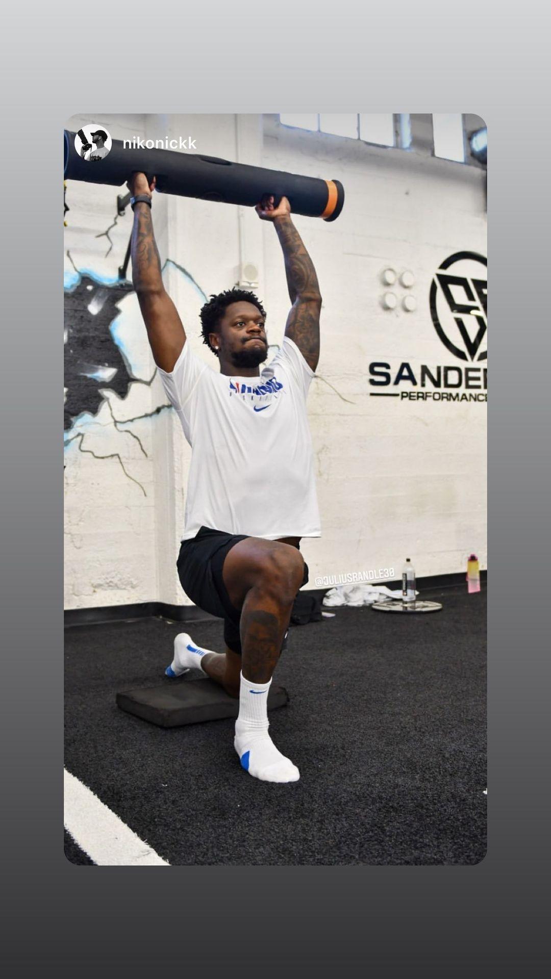 投篮和力量训练两不误!兰德尔转发自己的训练照