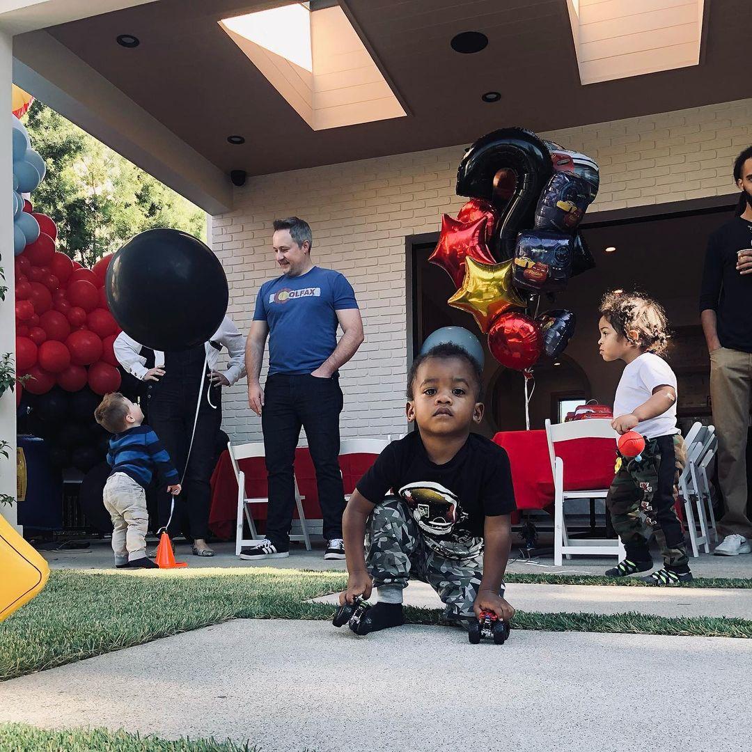 幸福一家!戴德蒙晒照庆祝儿子两岁生日