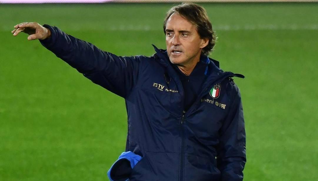 意大利足协希望和曼奇尼续约,但后者更渴望执教俱乐部