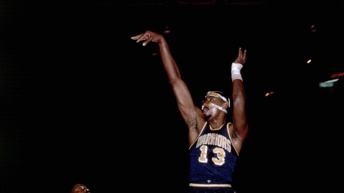 1964年的今天张伯伦在投篮罚球都低于50%的情况下得到60+