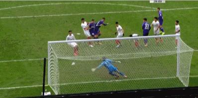 GIF:邱添一头球破门模仿C罗经典庆祝,泰达2-0亚