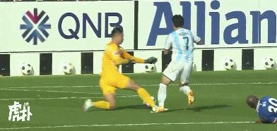 GIF:李帅送点染黄,约翰逊主罚命中申花1-3落后