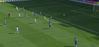GIF:第一脚射门就进了!朴正仁远射蔚山现代1-0上海申花
